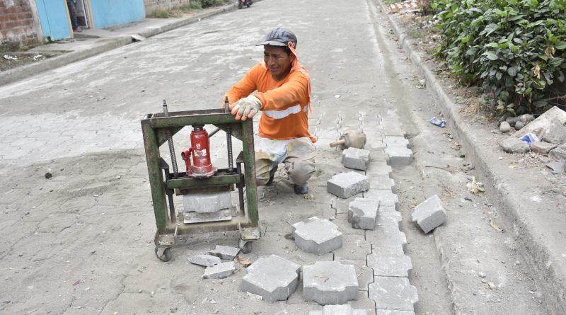 Trabajos viales que realiza el Municipio de Milagro