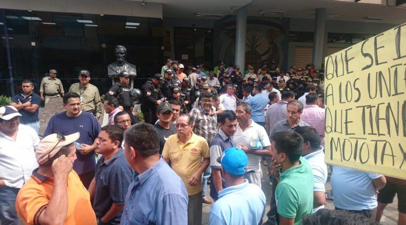 Nueva paralización por el gremio de taxistas y transporte urbano en Milagro