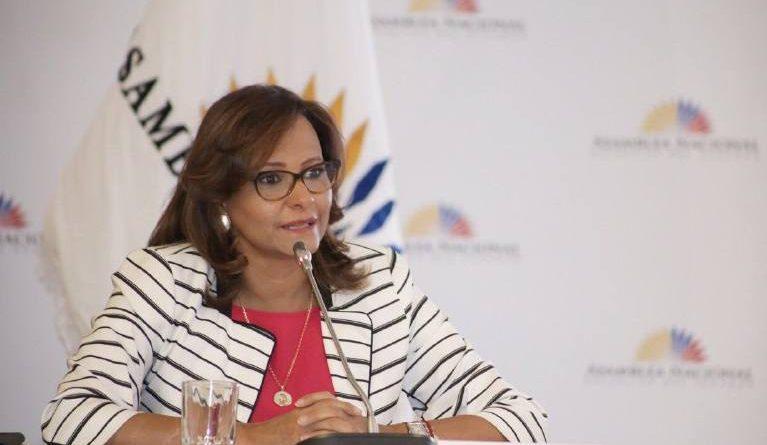 Elizabeth Cabezas: Nadie tiene votos para captar presidencia de la Asamblea