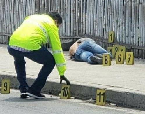 POLICÍA ASESINADO MIENTRAS ESTABA DE FRANCO
