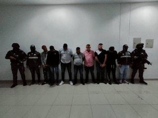 DETENIDOS ANTES DE INGRESAR A LA PENITENCIERÍA ARMAS Y UNIFORMES POLICIALES